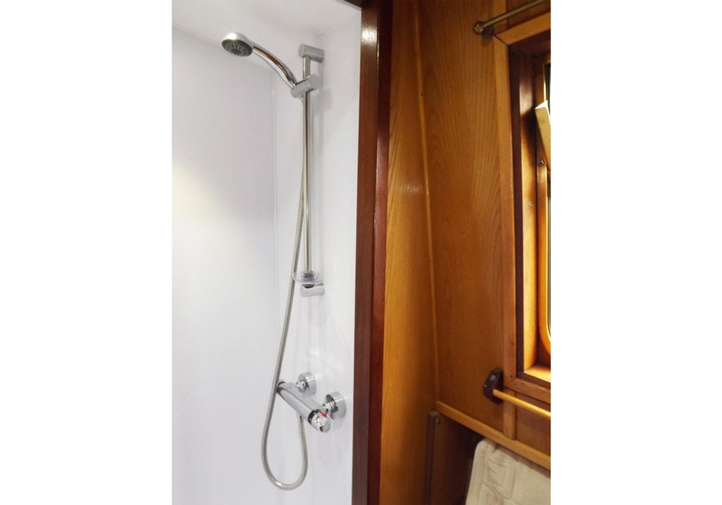foxglove boat page bathroom new 2