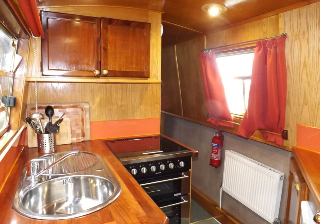 Foxglove Galley - A Foxhangers Canal Holidays Narrowboat