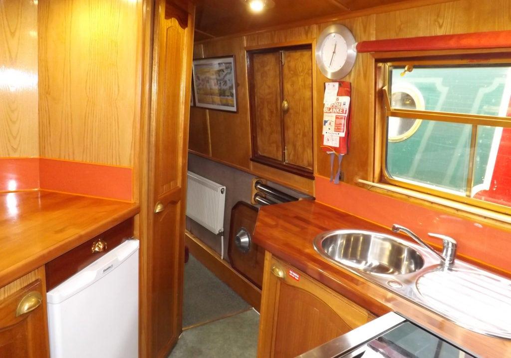 Inside Foxglove- A Foxhangers Canal Holidays Narrowboat