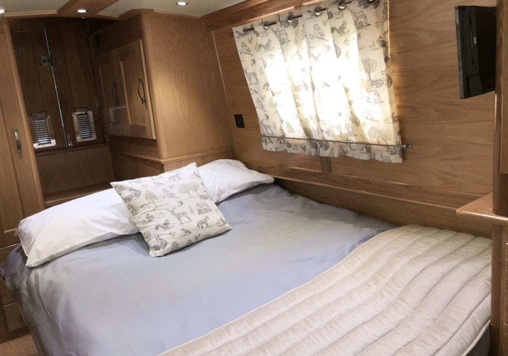 King Size Bed Canal boat
