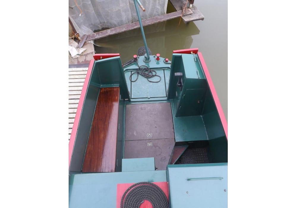 Lazy Fox Boat Page Stern deck
