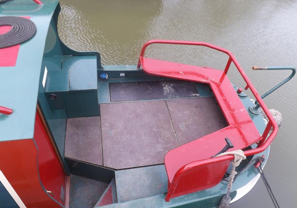 Foxterrier Boat Page Stern