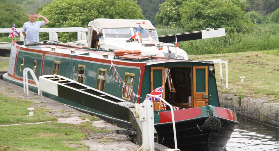 Captain your own narrow boat