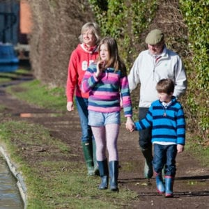 Things to do on the Kennet and Avon - enjoy walking with the family