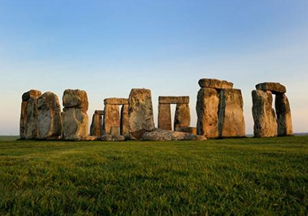Things to do nearby - Visit Stonehenge