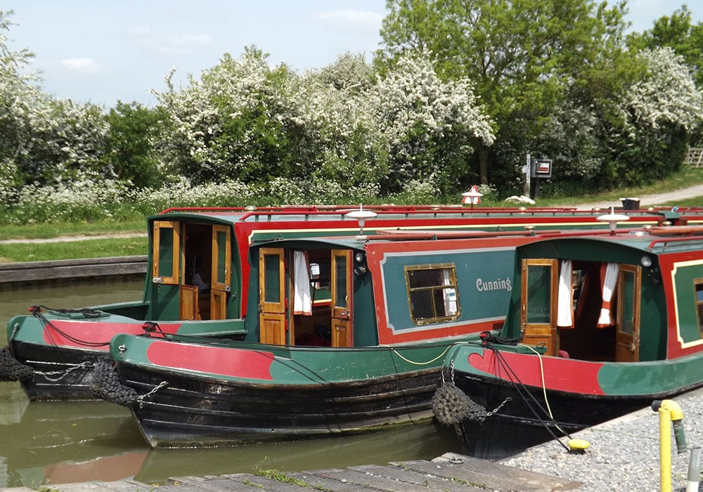 Canal hire boats